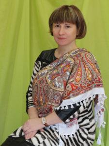 Заведующая кадровой службой - Анна Владимировна Мещанинова